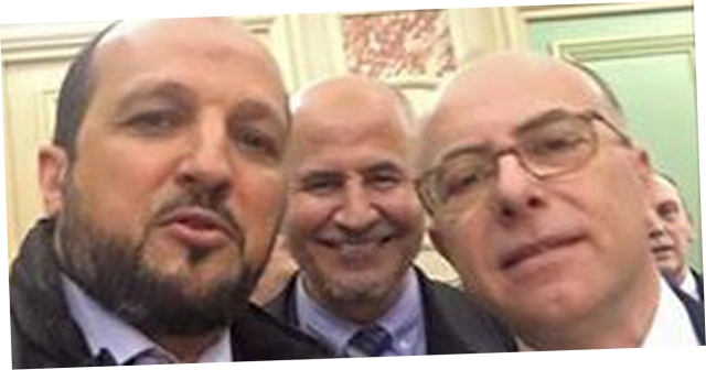 Ce-selfie-de-Bernard-Cazeneuve-avec-le-president-de-l-UOIF-et-un-imam-de-Nice-qui-enerve-le-FN