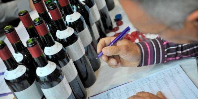 3700-vins-ont-ete-degustes-a-l-aveugle_1836009_800x400