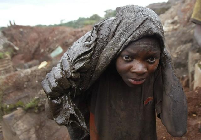 Un-enfant-dans-mine-cobalt_0_730_508