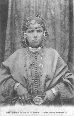 3361b3969345c3455ae0f1797b283ed5--arab-women-marocco